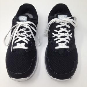 Nike Flex Experience RN3 Athletic Runners Size 8.5